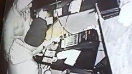 İzmir'de çocuk yaştaki suç makineleri kıskıvrak yakalandı
