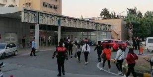 İskenderun'da masaj salonlarına şok baskın: 22 gözaltı