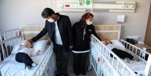 operasyonla ayrılan siyam ikizlerinin tedavisi Türkiye'de devam ediyor