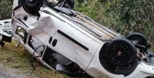 Rize'de araba dereye düştü: 1 ölü, 1 yaralı