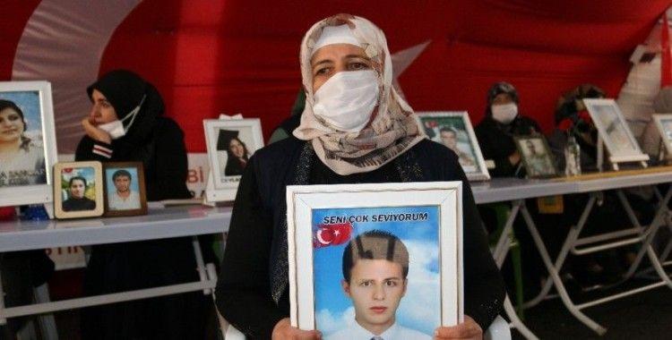 Kendi çocuklarının derdini unutup teröristlerce 9 yaşında kaçırılan çocuğun derdine düştü