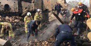 5 evin kül olduğu yangında kayıp olan yaşlı kadının cansız bedenine ulaşıldı
