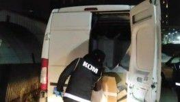 Bursa'da minibüs ile getirilen 750 bin adet doldurulmuş makaron ele geçirildi