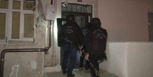 İstanbul'da eş zamanlı terör operasyonu: 8 gözaltı