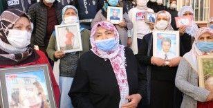HDP önündeki ailelerin çığlığı büyüyor, eyleme katılanlar devam ediyor