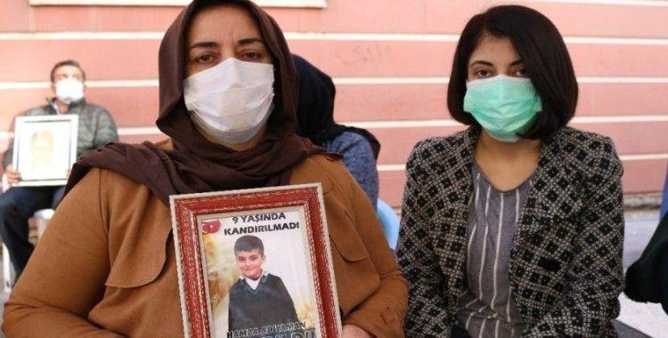 HDP önündeki aileden, 9 yaşındaki çocuklarının Zap suyunda kaybolduğu iddiasına sert tepki