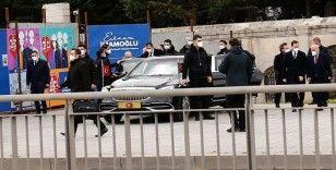 Cumhurbaşkanı Erdoğan, yazar Ahmet Kekeç'in mezarını ziyaret etti