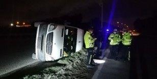 Kocaeli'de işçi servis minibüsü devrildi: 6 yaralı