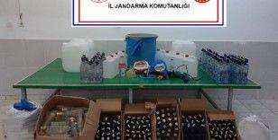 Sahte alkolle yakalanan şahısların evi imalathane çıktı