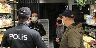 Bursa'da kısıtlamanın ilk dakikalarında polis ekiplerinden denetim