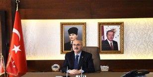 İzmir Valisi Yavuz Selim Köşger koronavirüse yakalandı