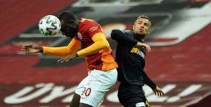Süper Lig: Galatasaray: 0 - Kayserispor: 0 (İlk yarı)
