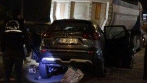 İzmir'deki trafik kazasında polis memuru hayatını kaybetti