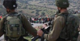 İsrail ordusu yaralı Filistinlinin ambulanstan askerlerce alınmaya çalışılmasını savundu