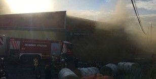 Tuzla'da korkutan fabrika yangını
