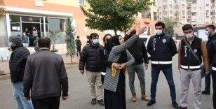 HDP önünde 'Kadına Yönelik Şiddete Karşı Uluslararası Mücadele Günü' gerginliği