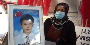 HDP önündeki ailelerin umutlu bekleyişi sürüyor