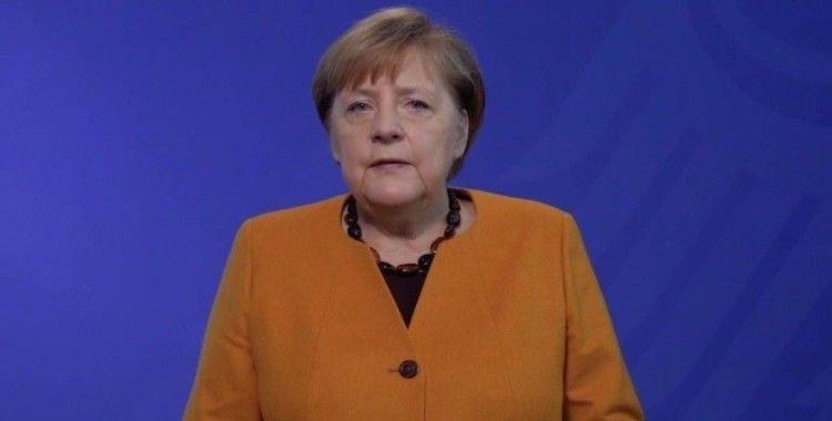 Merkel: 'Kış zor geçecek, ama bitecek'