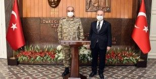 EDOK Komutanı Korgeneral Yayla, Vali Karadeniz'i ziyaret etti