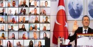 Bakan Selçuk'tan dünya ikincisi MEBİM'E kutlama