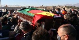 Depremde enkazdan çıkarıldıktan 28 gün sonra vefat eden futbolcunun cenazesi defnedildi