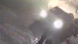 Esenyurt'ta para transfer merkezine giren hırsızlar kamerada