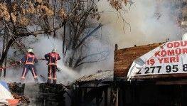 Başkentte odun deposundaki yangın korkuttu