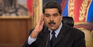 Maduro canlı yayında telefon numarasını paylaştı: Beni gruplarınıza ekleyin
