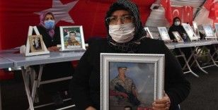 Diyarbakır annelerinden Altıntaş: PKK'dan, HDP'den oğlumu istiyorum