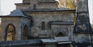 Camiye zarar veren şahıs, adli kontrolle serbest