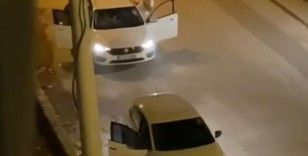 Antalya'da otomobil içerisindeki kadının yüzüne tekme