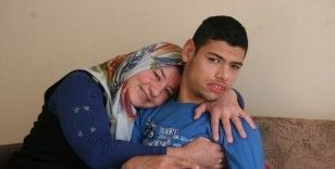 22 yıldır engelli oğluna bakan anneden acı itiraf:
