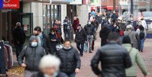 Almanya'da korona tedbirlerinin 10 Ocak'a kadar uzatılması kararlaştırıldı