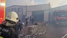 Kayseri'de ahşap fabrikasında yangın