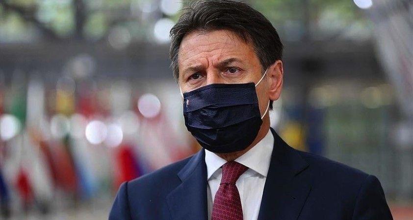 İtalya Başbakanı Conte, Kovid-19'a yönelik son tedbirleri açıkladı
