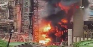 Güney Afrika'da petrol rafinerisinde korkutan yangın