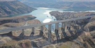 Sarıkamış-Karakurt-Horasan yolu Bakan Karaismailoğlu'nun katılacağı törenle açılıyor