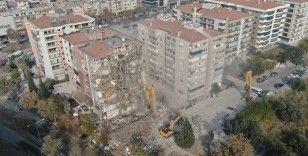 İzmir depreminin ardından ağır hasarlı binalardan 58'inin yıkımı tamamlandı