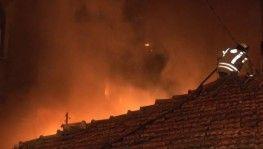 Ümraniye'de cila atölyesinde çıkan yangın paniğe neden oldu