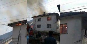 Ev yangınında mutfak tüpü bomba gibi patladı
