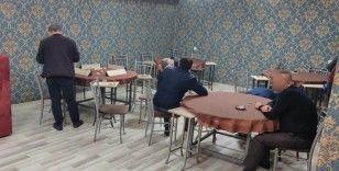 Konya'da yasağı delip eğlence mekanında yakalandılar