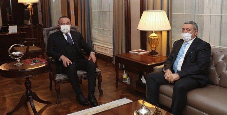 Bakan Çavuşoğlu Somali'de saldırıya uğrayan Türk şirketinin sahibi Zorlu ile bir araya geldi