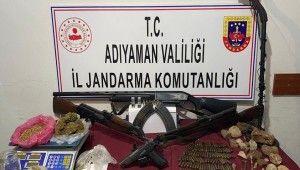 Jandarmadan uyuşturucu, silah ve tarihi eser operasyonu