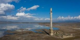 İzmir'de barajlardaki su oranı geçen yılın gerisinde kaldı