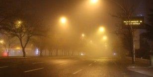 Başkent sisle kaplandı