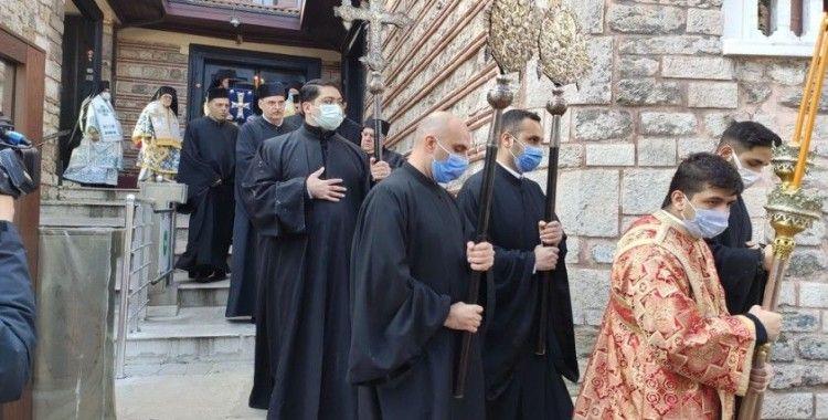 Haliç'te denizden haç çıkarma töreni gerçekleştirildi