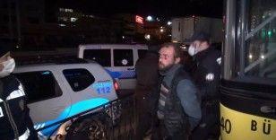 Bursa'da kontrol noktasındaki polise bıçakla saldırdı