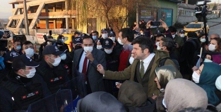 Havai fişek fabrikasındaki patlamaya ilişkin dava başladı, aileler adliye önünde toplandı