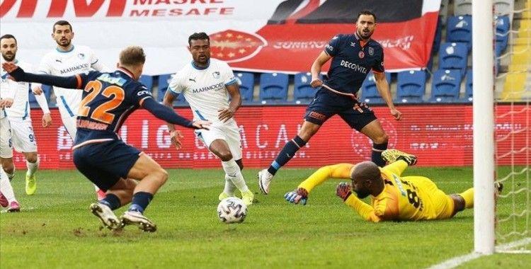 Medipol Başakşehir 7 maçlık galibiyet hasretine son verdi