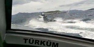 Uluslararası hukuku ihlalde sınır tanımayan Yunan botlarına Türk Sahil Güvenlik botları 'Dur' dedi
